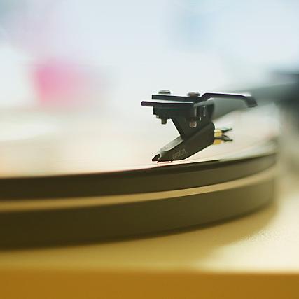 headphones-sturdo-gramo